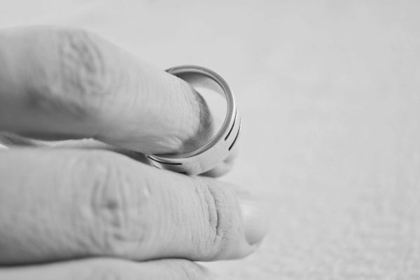 is-it-better-to-be-the-first-person-to-file-divorce